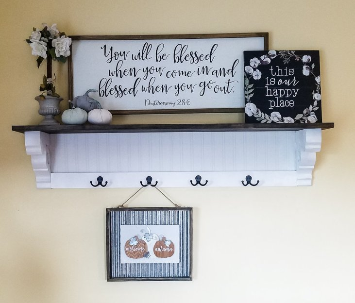 DIY Shelf Tutorial - How cute is this shelf for an entryway? #diyshelf #farmhouseshelf