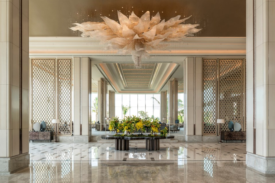 2. Lobby by day