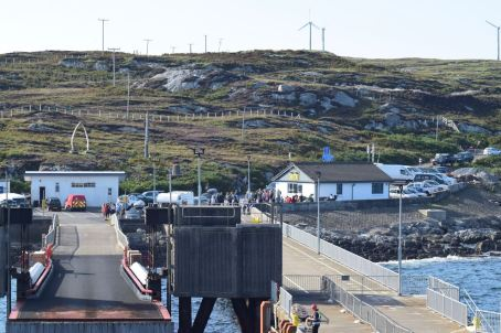 The pier and linkspan, Coll