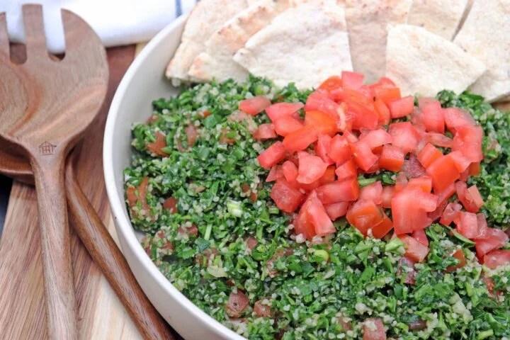 Best Lebanese Tabbouleh Salad (Tabouli)