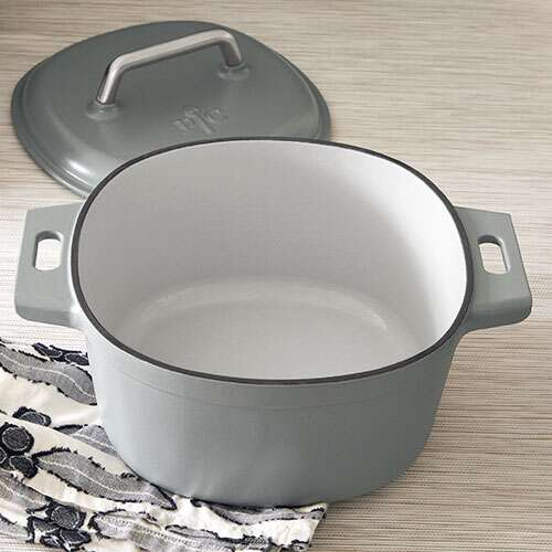 Pampered Chef Enameled Dutch Oven