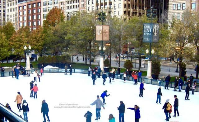 Chicago-ice-skating-millennium-park-live