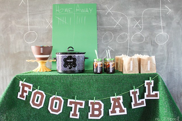 Taco-Queso-Dip-and-a-Football-Party-3
