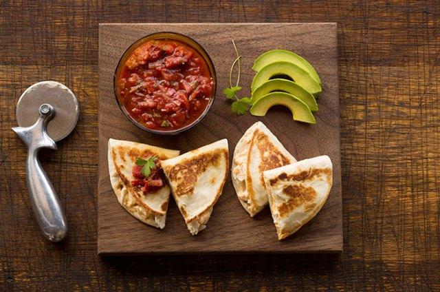 recipe_chicken_quesadillas_salsa