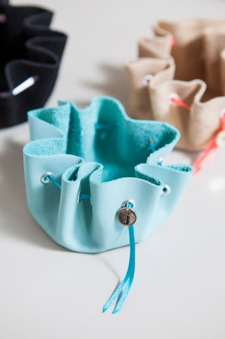 somethingturquoise-diy-no-sew-jewelry-pouch_0020