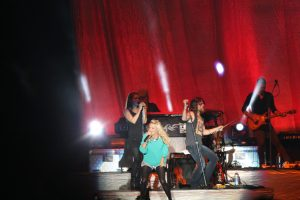 Carrie-Underwood-Boots-and-Hearts-Music-Festival