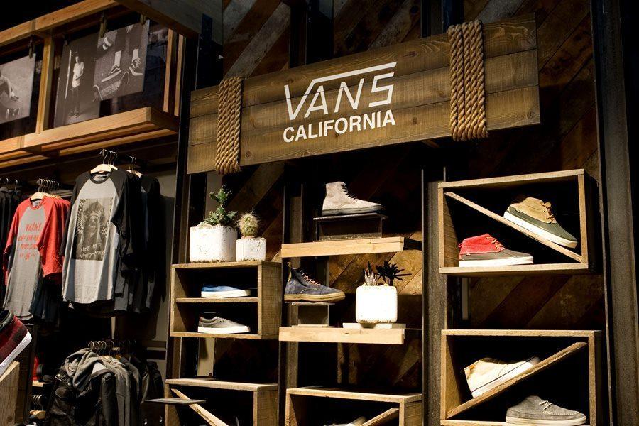 Vans celebrates Canadian store opening on Yonge Street | Life's a Blog