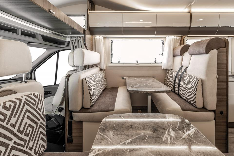 Rimor_Evo_Sound_Evolution_Motorhome_interior2