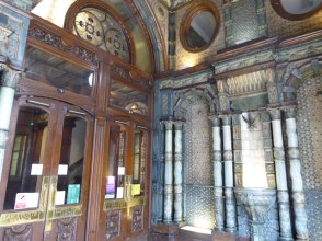 Lloyd's Bank Law Courts Branch