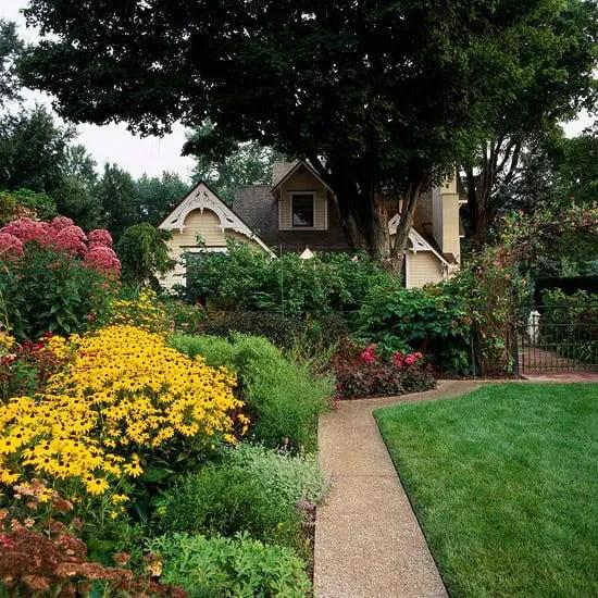 Big Ideas for Small Space Landscapes - Lifescape Colorado on Small Landscape Garden Ideas id=44256