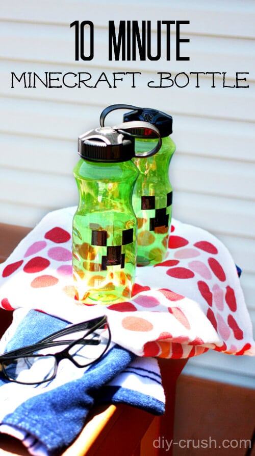 Make your own Minecraft Water Bottle designs with this 10 minute DIY from diy-crush.com
