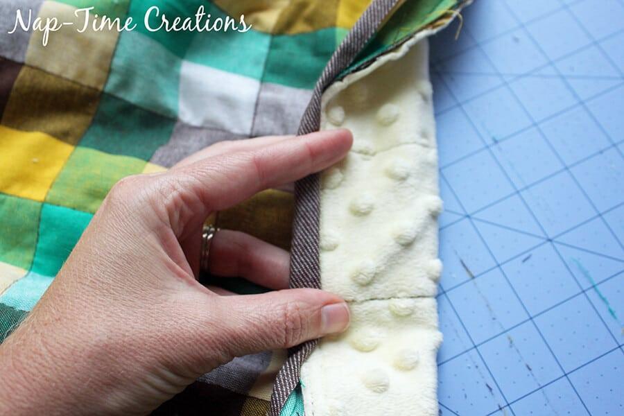geometic fabric baby blanket tutorial 9