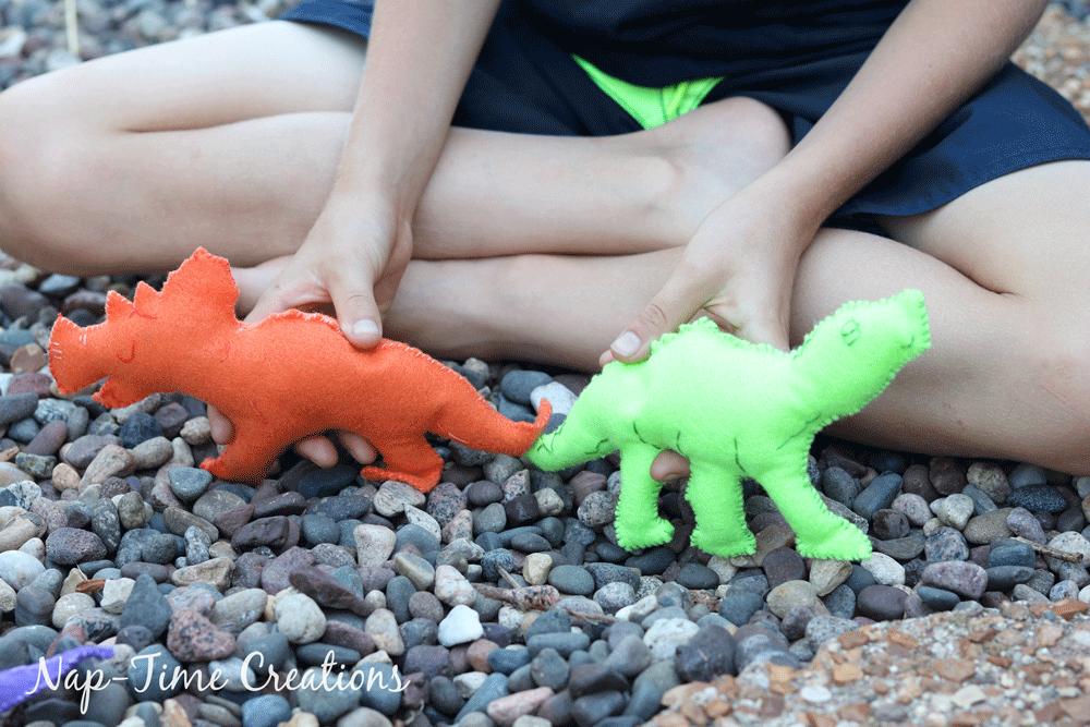 felt dinosaur stuffies