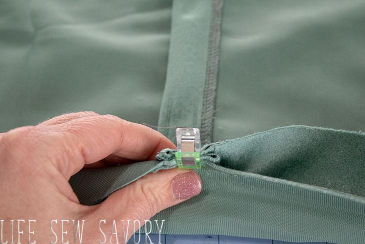 button back pillow cover tutorial