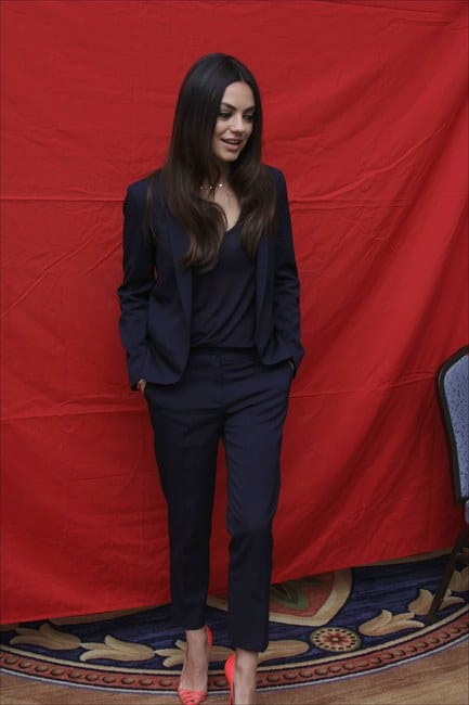 mila-kunis-and-christian-louboutin-pivichic-pumps-gallery