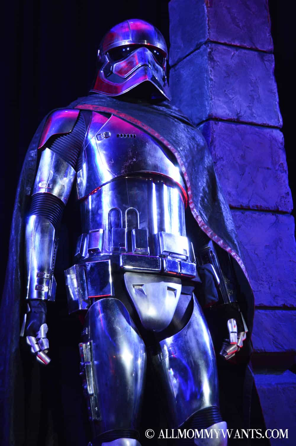 Captain Phasma's armor (played by Gwendoline Christie).