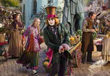 alice-through-the-looking-glass-johnny-depp-mia-wasikowska-e1459380214403