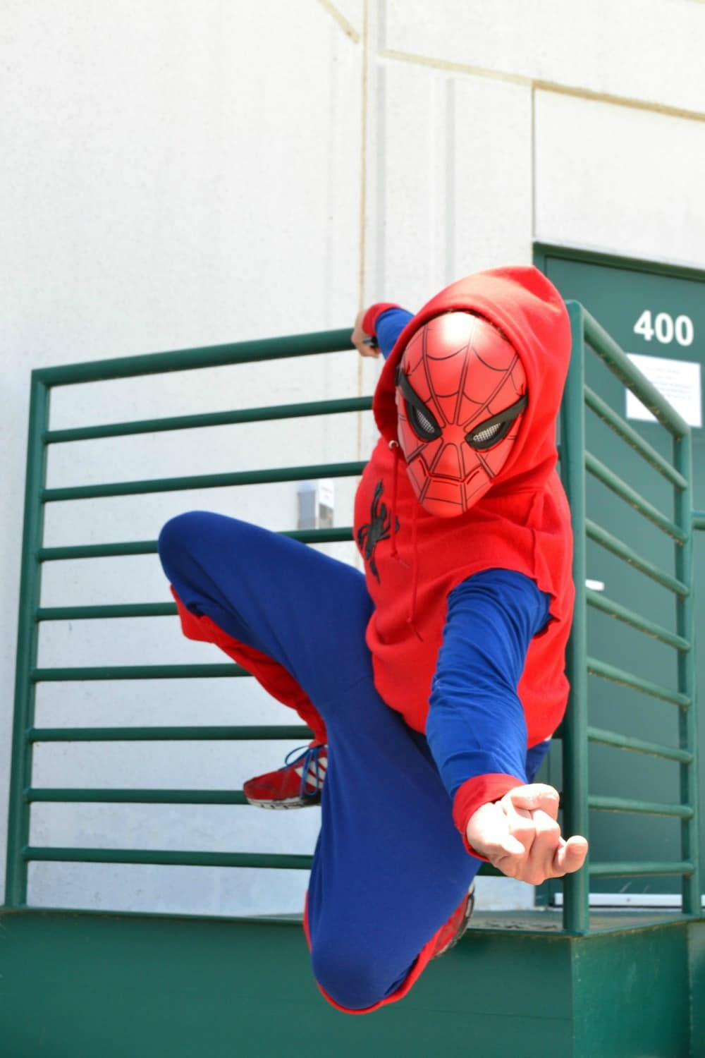 DIY - Spiderman Costume! Easy to make for Halloween!