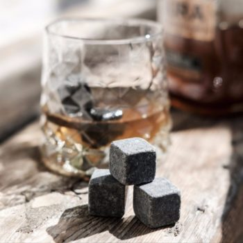 Whiskey_Stones_Lifestyle_1024x_928ec121-4c2c-4942-9be1-5ae21a6a6f65_1024x