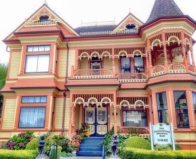 The Gingerbread Mansion - Explore dozens of colourful painted ladies in Ferndale California. These fine Victorian homes and storefronts showcase the dramatic architecture of a great historic era. Photo Credit: Wendy Nordvik-Carr©