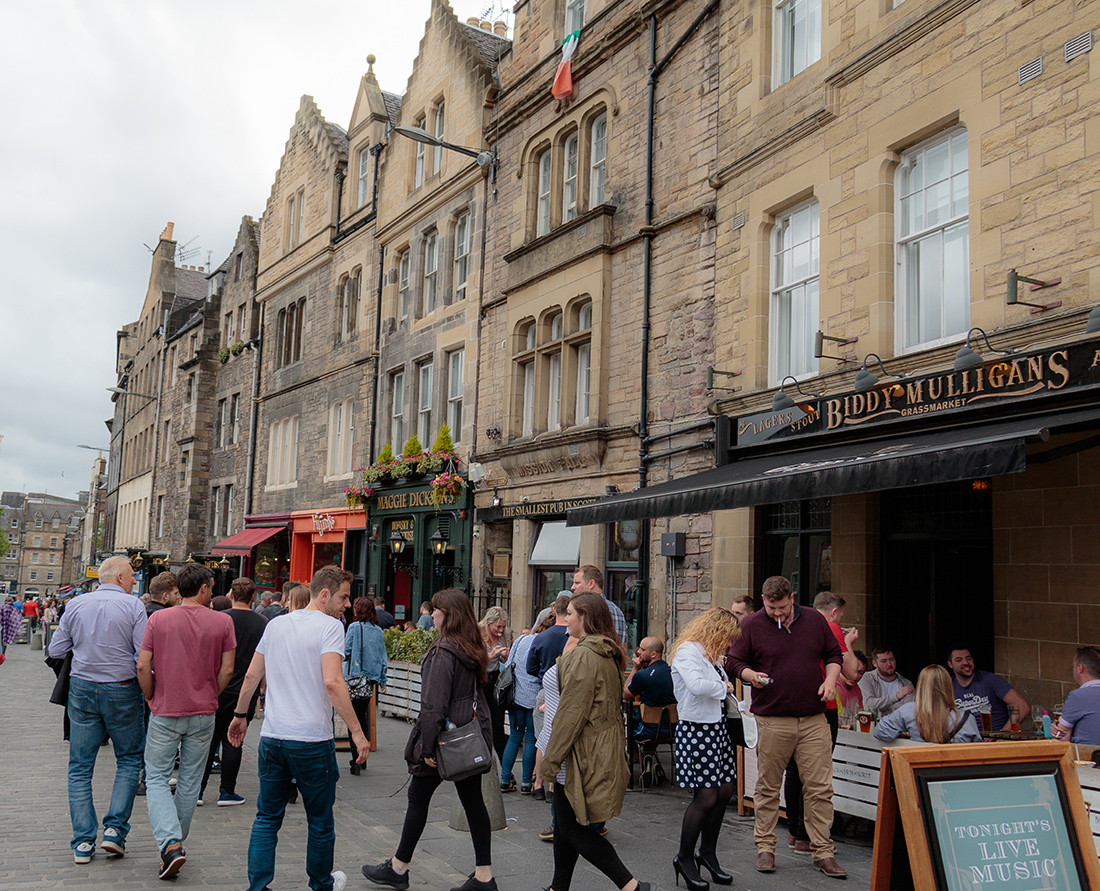 Discover Grassmarket things to do in medieval Edinburgh. Explore Old Town and New Town along with the many museums, monument, memorials and galleries of this historic city. Photo Credit: Wendy Nordvik-Carr©