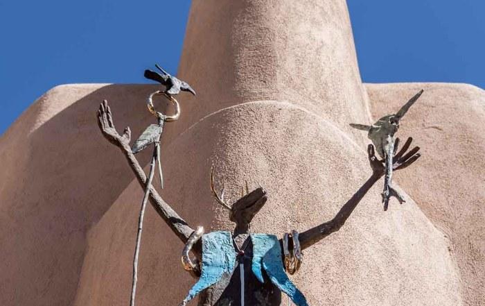 Explore the many art galleries in Santa Fe New Mexico 7051