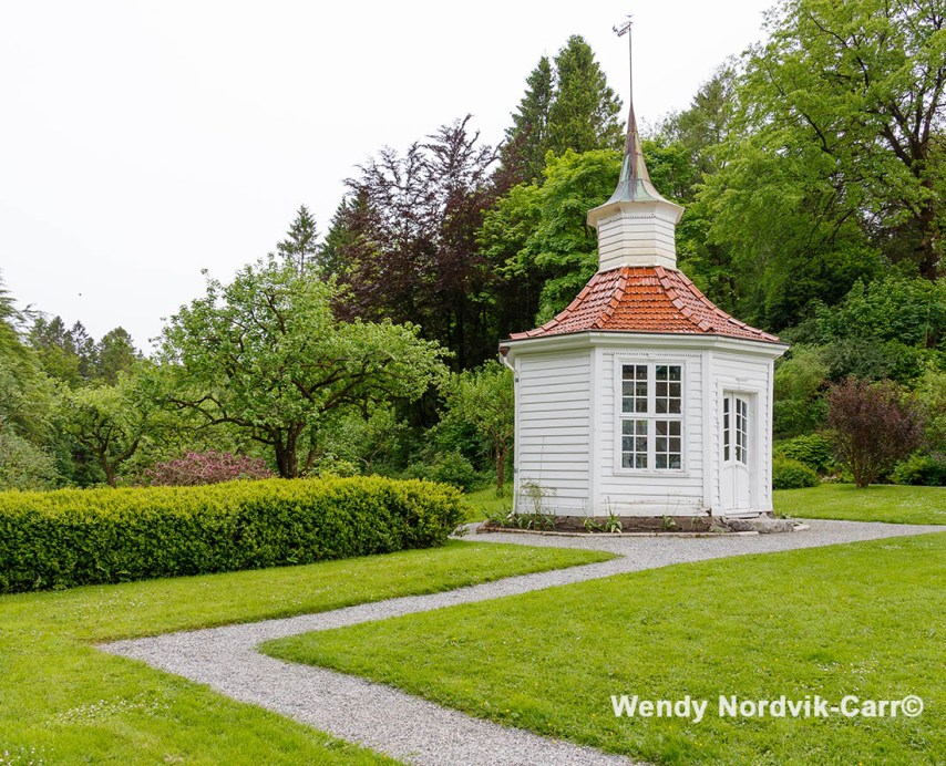 The charming gazebo located in the garden of the Alvøen museum. Photo Credit: Wendy Nordvik-Carr©