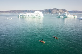 Ballade en kayak entre les glaces