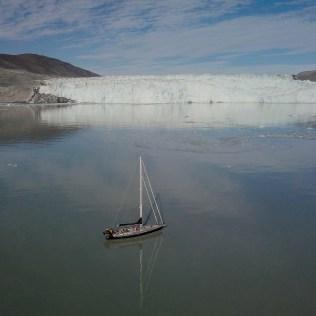 Au pied du glacier EQI
