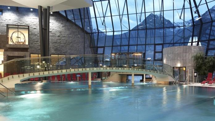 Aqua Dome 1