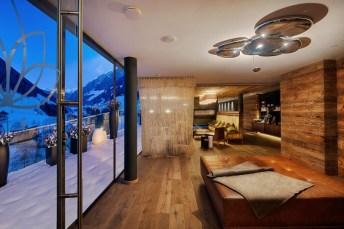 Sky_Lounge_Snow