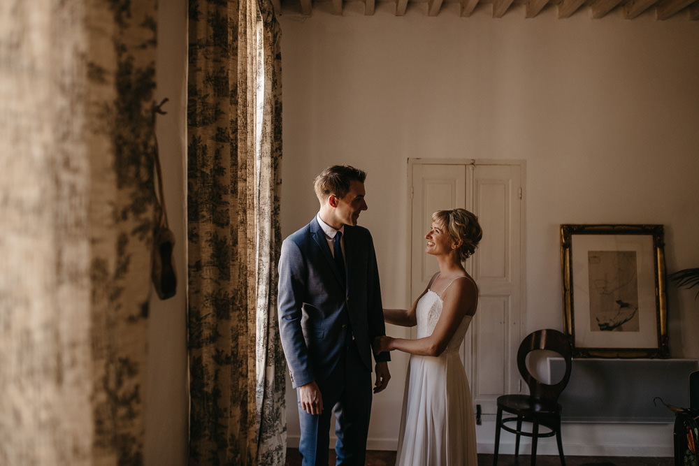 Bride & Groom frist look before their wedding in the south of France