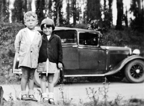 031 Dodge Bruce & Iris 1935 800x590px