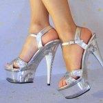 Metallic auf die Füße! Schuhtrends 2015