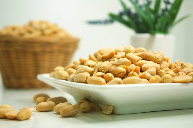 ピーナッツ食べ過ぎで起こる腹痛や下痢や肌荒れの原因と対処法6つ