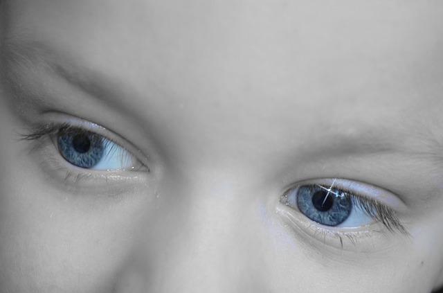 目やにと目の充血が止まらない原因と対処するための方法7つ