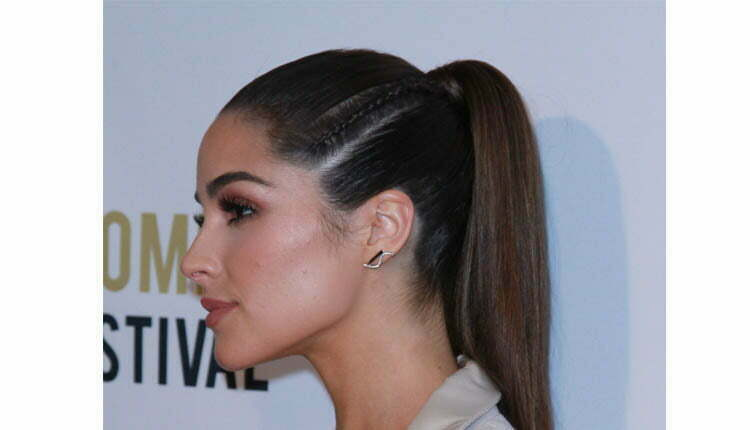Model Rambut High and Tight Ponytail