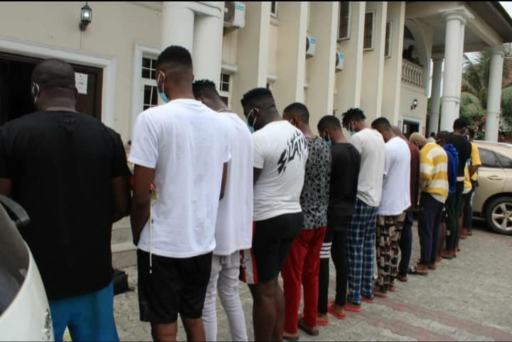 ?Medical doctor, 17 others arrested for fraud in Owerri (photos)