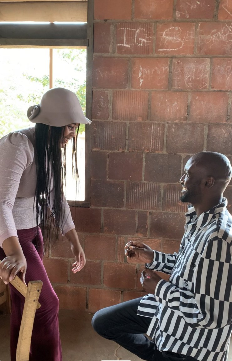 Nigerian man proposes to girlfriend at his secondary school