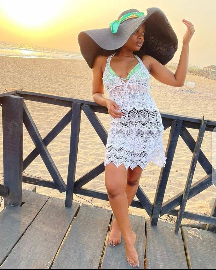 lady wearing wearing outfit for the beach