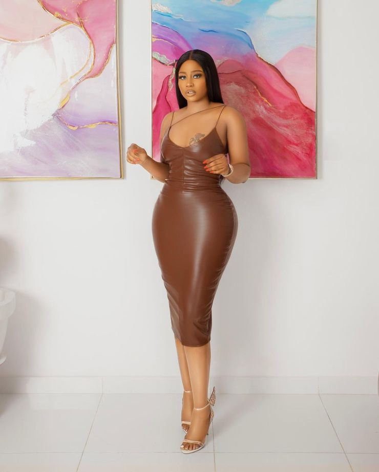 Lily Afe- Keeping It Sleek In A Gown
