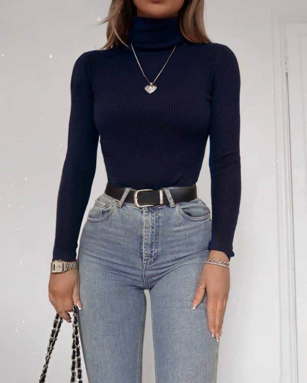 lady wearing necklace with her turtleneck top