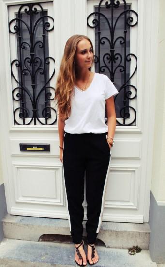 T-Shirt: H&M // Pants: Zara // Sandals: Essentiel