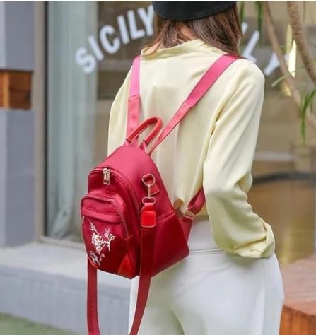 rucsacuri roșii