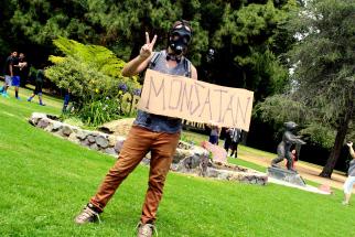 monsanto-gas-mask