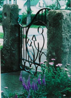 Loesch- Gate04