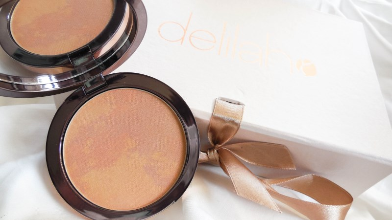 Pure Light Compact Powder delilah cosmetics