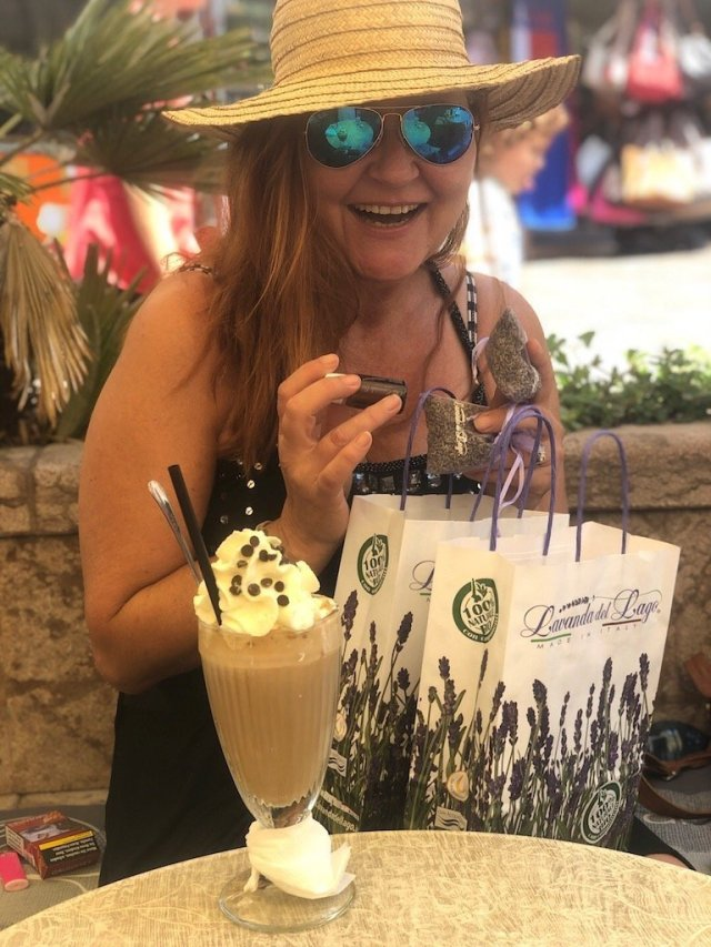 Editor Marion enjoys her shopping at Malescine and having an icecoffe