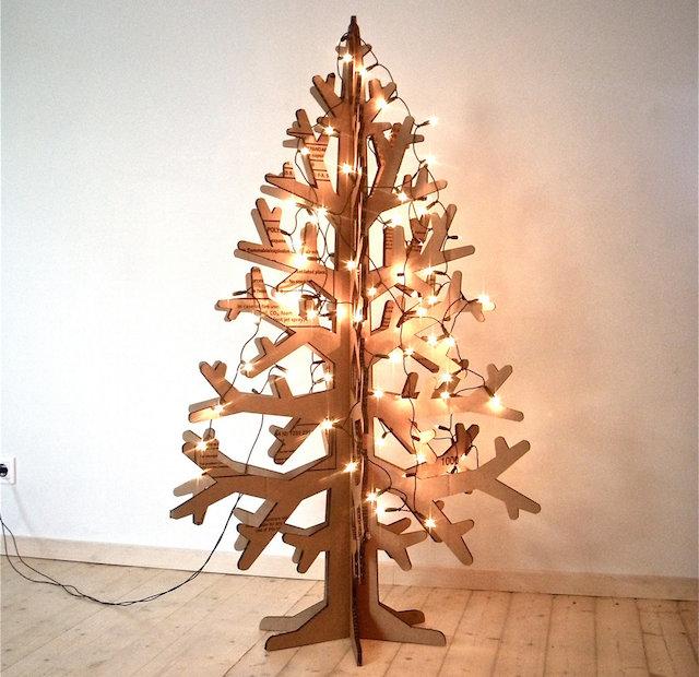 Idee albero di Natale fai da te: tra carta, legno e soluzioni ...