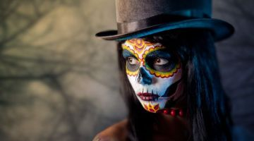 Idee Halloween make-up: Vampire si, ma Glamour!